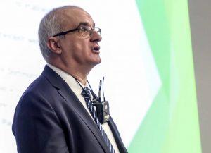 Prof. Manfred Bayer stellte der Hochschulwahlversammlung in einem Vortrag seine Visionen für die TU Dortmund vor.
