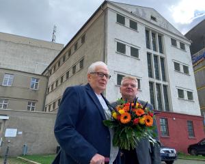 Ernst Söder (links) und Norbert Schilff, sein Nachfolger als Vorsitzender. Foto: Verein
