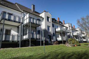 Der Balkonanbau an Gebäuden in der Waldecker Straße in Eving sins Bestandteil des Modernisierungsprogramms.