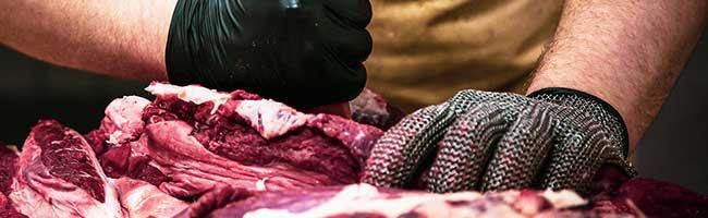 Corona-Infektionen in Schlachthöfen: NGG-Gewerkschaft fordert regelmäßige Kontrollen in der Fleischindustrie