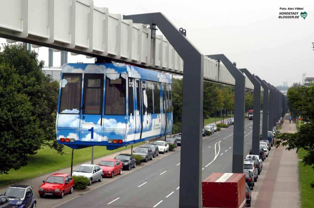 Bislang verbindet die H-Bahn nur die verschiedenen Areale der TU Dortmund. Archivbild: Alex Völkel