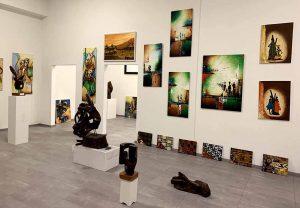 Das Museum des Afrika Hauses. Lokale, afrikanische Künstler*innen bekommen hier eine Plattform. (Foto: (MyTide Studio)