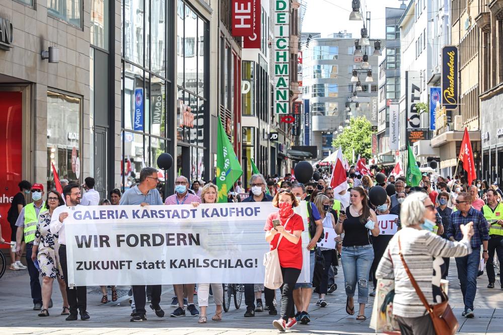 Rund 16.000 Unterschriften wurden für den Erhalt gesammelt - außerdem demonstrierten NRW-Betriebsräte. Foto:Claus Stille