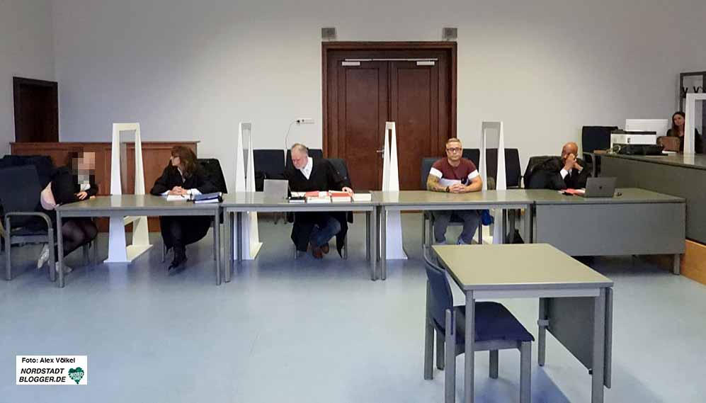 Wegen Volksverhetzung stehen drei Angehörige der Neonazi-Szene vor Gericht. Foto: Alex Völkel