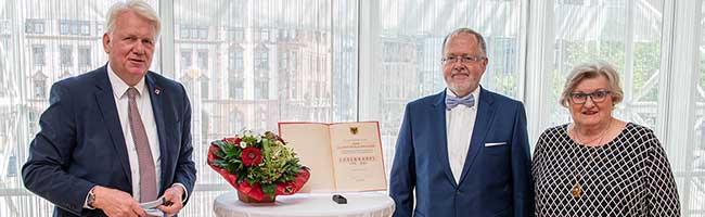 """Soziales Engagement als """"Selbstverständlichkeit"""": Friedrich-Wilhelm Herkelmann erhält Ehrennadel der Stadt Dortmund"""