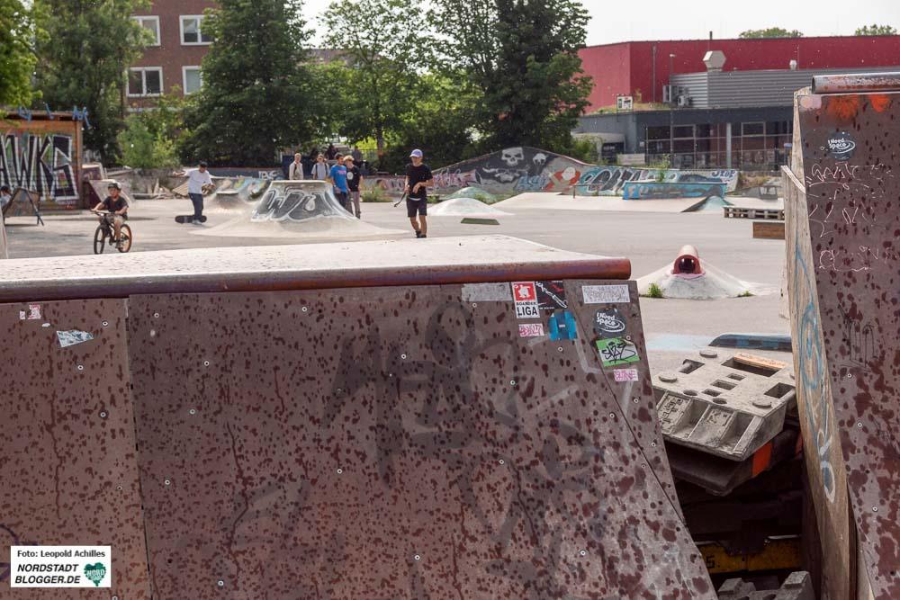 """Die Tage des Skateparkes """"Utopia sind gezählt - die Anlagen werden abgebaut. Fotos: Leopold Achilles"""