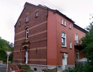 Das Gebäude der alten Polizeiwache an der Thieheuerstraße / Ecke Baroper Bahnhofstraße steht heute noch.Foto: Polizei Dortmund