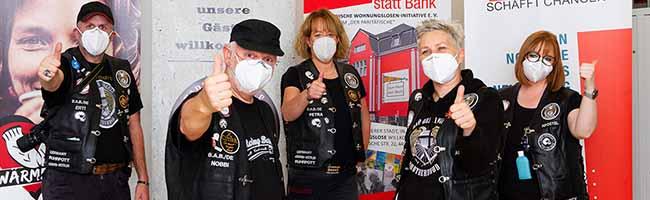 """Neustart bei den """"Barber Angels"""": Ehrenamtliche FriseurInnen helfen Obdachlosen im Hygienezentrum in Dortmund"""
