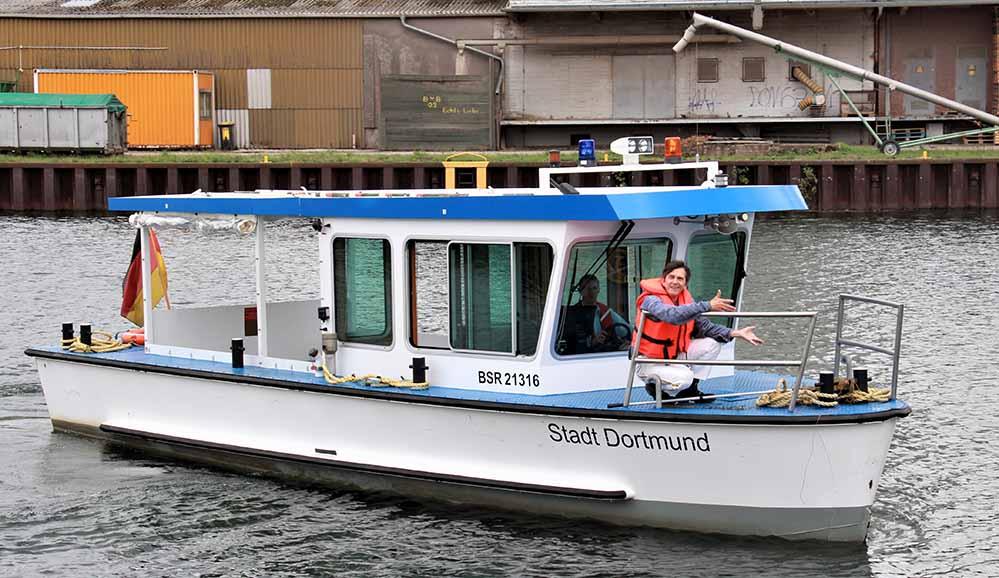 Kabarettist Martin Kaysh kann zwar das Wasser halten - aber nicht darüber gehen. Foto: Hafen AG