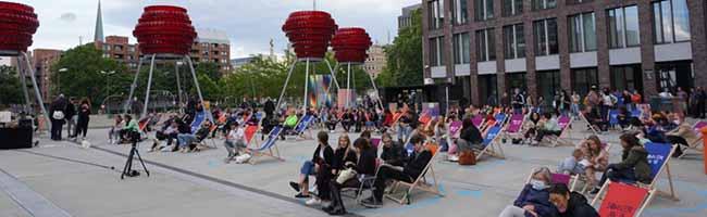 """Ein bisschen Maskerade, Chillen und Musik in Dortmund: Bis zu 200 Besucher*innen starten in den """"Sommer am U"""""""