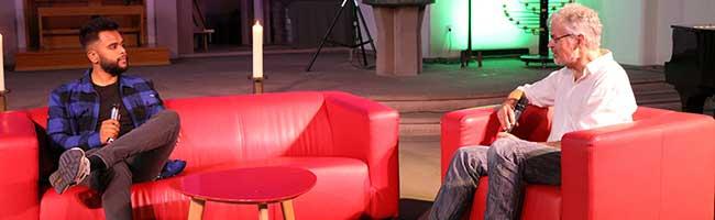 """Rassismus: Wie kann die Kirche aktiv werden? Sängerin Mariama & Benjamin Patrick auf dem """"Roten Kirchensofa"""""""