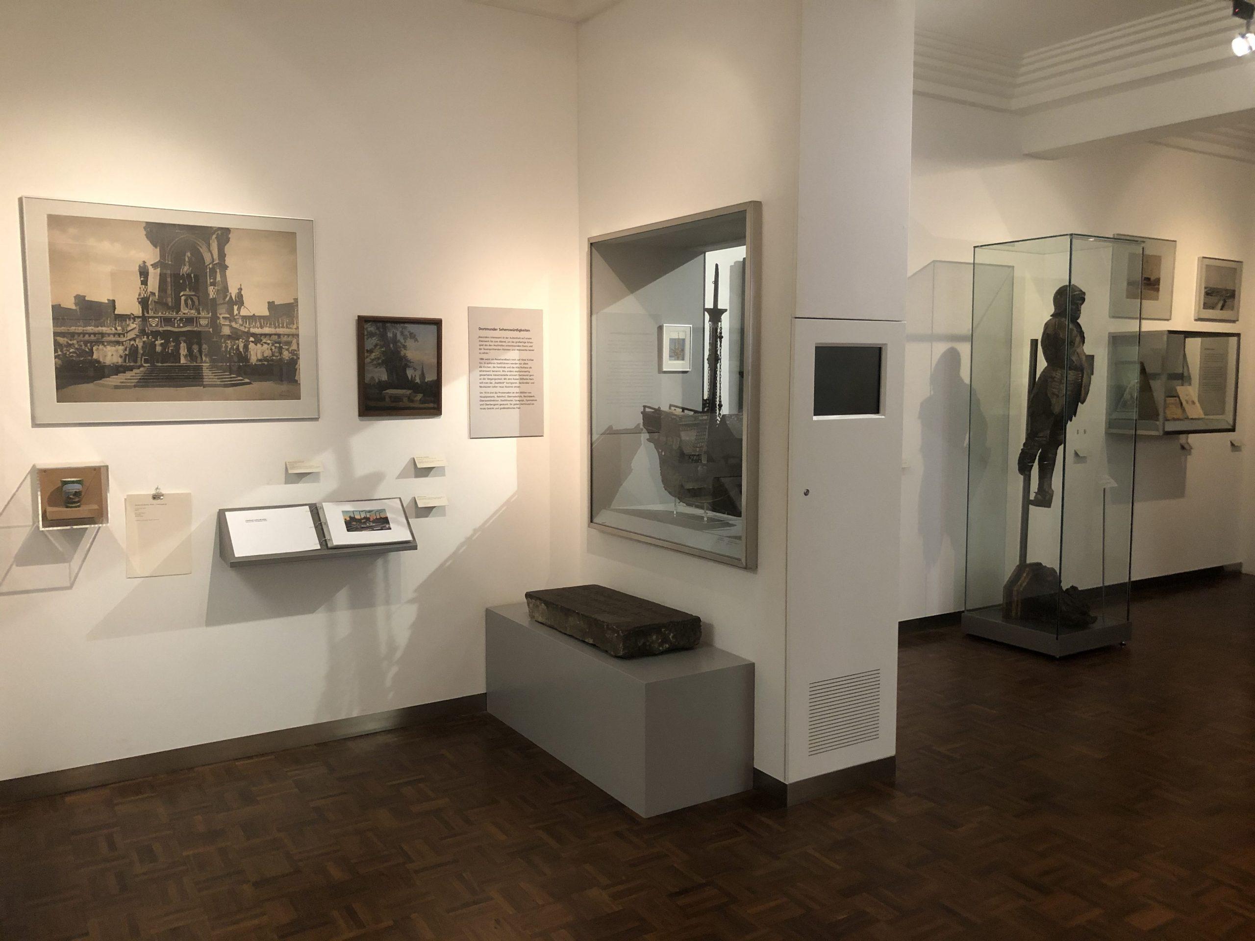 """Kaiserzeitliches Dortmund im Ausstellungsbereich """"Die Neue Stadt"""" im Museum für Kunst und Kulturgeschichte (MKK), Dortmund"""