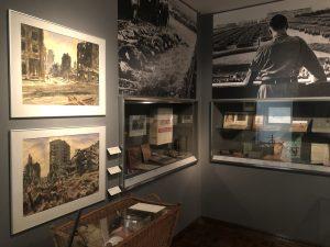 """Das III. Reich im Stuhlreihe im Ausstellungsbereich """"Die Neue Stadt"""" im Museum für Kunst und Kulturgeschichte (MKK), Dortmund"""