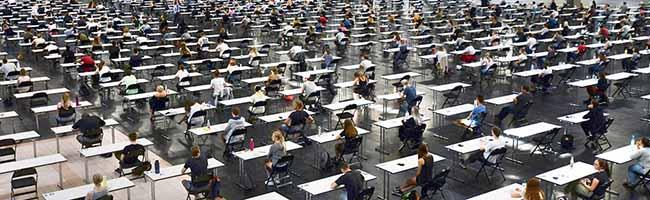 14.000 Prüflinge schreiben Klausuren: Technische Universität Dortmund zieht mit Klausuren in große Westfalenhalle 1 um