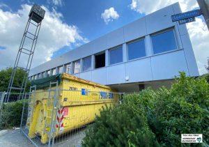 Das fast 50 Jahre alte Verwaltungsgebäude des Dortmunder Hafens hat ausgedient und wird abgerissen.