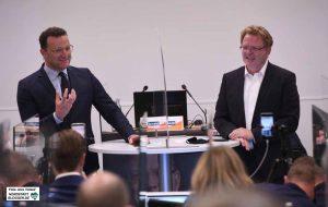 Nicht nur den Fragen der anwesenden Gäste, sondern auch der Menschen im Livestream stellten sich die beiden CDU-Politiker.
