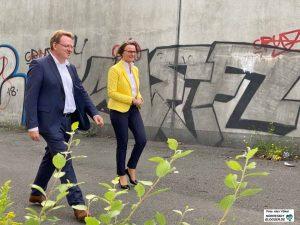 Einer der wenigen öffentlichen Termine des CDU-OB-Kandidaten Andreas Hollstein in Dortmund - hier mit Ministerin Ina Scharrenbach.