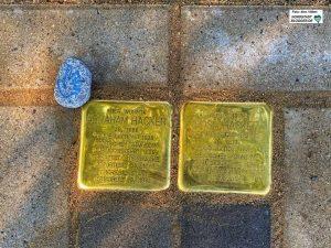 In der Leopoldstraße 54 in der Nordstadt wurden die Steine in Gedenken an Rosa (*1873) und Abraham Hacker (*1868) verlegt.