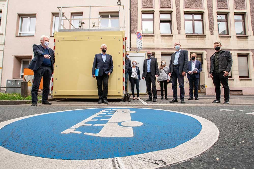 Auf Einladung von OB Ullrich Sierau hat sich Jürgen Resch, Geschäftsführer der Deutschen Umwelthilfe e.V., in Dortmund informiert. Foto: Roland Gorecki