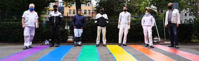 Starkes Zeichen der Solidarität: LSBTIQ*-Regenbogen-Zebrastreifen im Westpark steht für Vielfalt und Toleranz