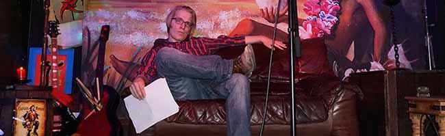 Die beliebte Poetry Jam-Reihe in der Nordstadt startet wieder – doch die Lesebühne wandert vom Subrosa ins Roto-Theater