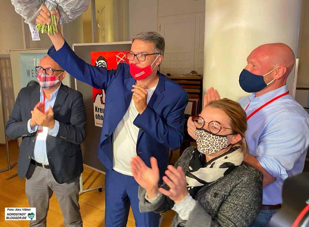 Hatten gut lachen und jubeln: Die Parteispitze feierte ihren neuen OB Thomas Westphal. Fotos: Alex Völkel