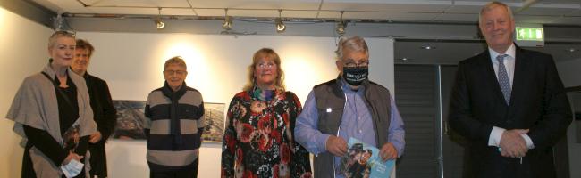 """Von der Idee, mit Kunst eine Gesellschaft zu humanisieren: Vernissage von """"Jüdisches Leben in New York"""""""