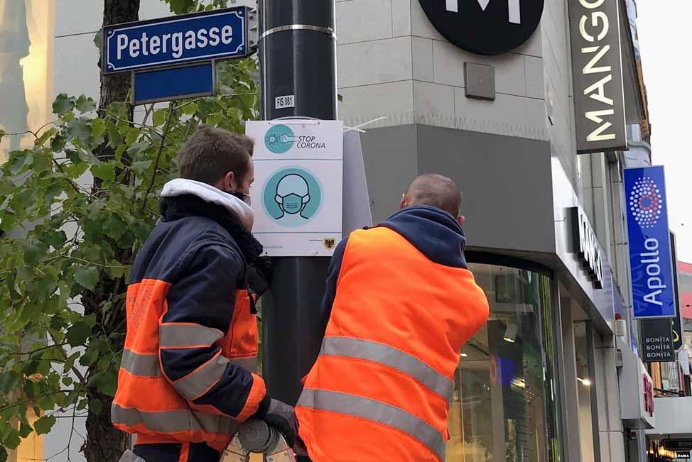 1000 Schilder für eine Maskenpflicht hat die Stadt bestellt.