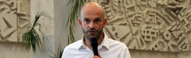 """""""Lobbyrepublik und die sozialökonomische Krise"""" – Marco Bülow über Politik, Demokratie und Veränderungsbedarfe"""