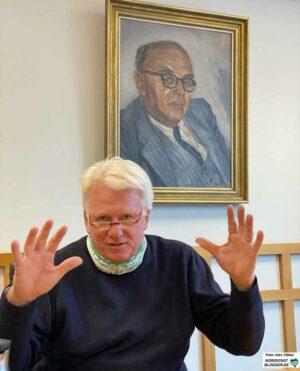"""Die beiden """"ganz großen"""" Oberbürgermeister der Nachkriegszeit - Günter Samtlebe und Dietrich Keuning - hingen im OB-Besprechungszimmer. """"Ich sehe mich in ihrer Tradition"""", so der scheidende OB."""