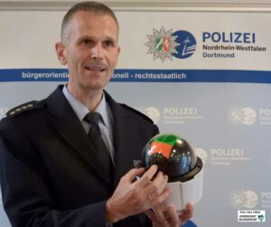 Der Leitende Polizeidirektor Udo Tönjann ist Leiter der Direktion Gefahrenabwehr/ Einsatz.
