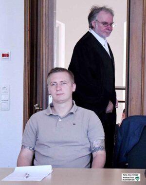Matthias Deyda - hier einem Prozess wo er freigesprochen wurde - wird neues Ratsmitglied der Neonazis.