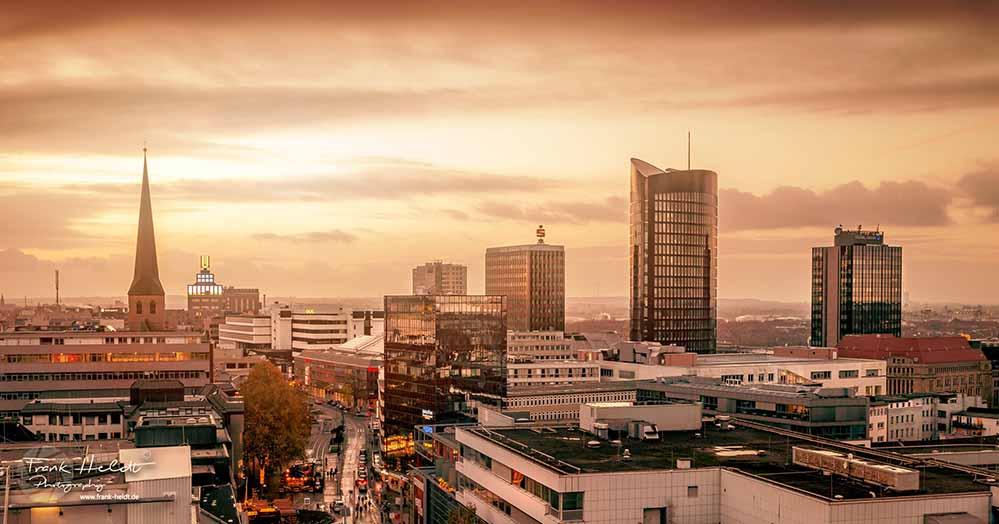 Die Skyline von Dortmund - Licht am Ende des Tunnels oder dunkle Wolken? Foto: Frank Heldt