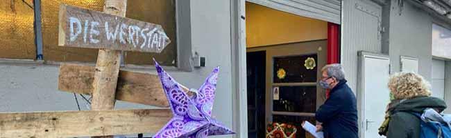 Der alternative Weihnachtsbaum: Stadt fördert inklusive Upcycling-Werkstatt aus dem Klimaschutzfonds
