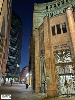 Durch den Abriss des Westfalenforums (li.) ergeben sich neue Wegebeziehungen zum RWE-Tower und dem MKK.