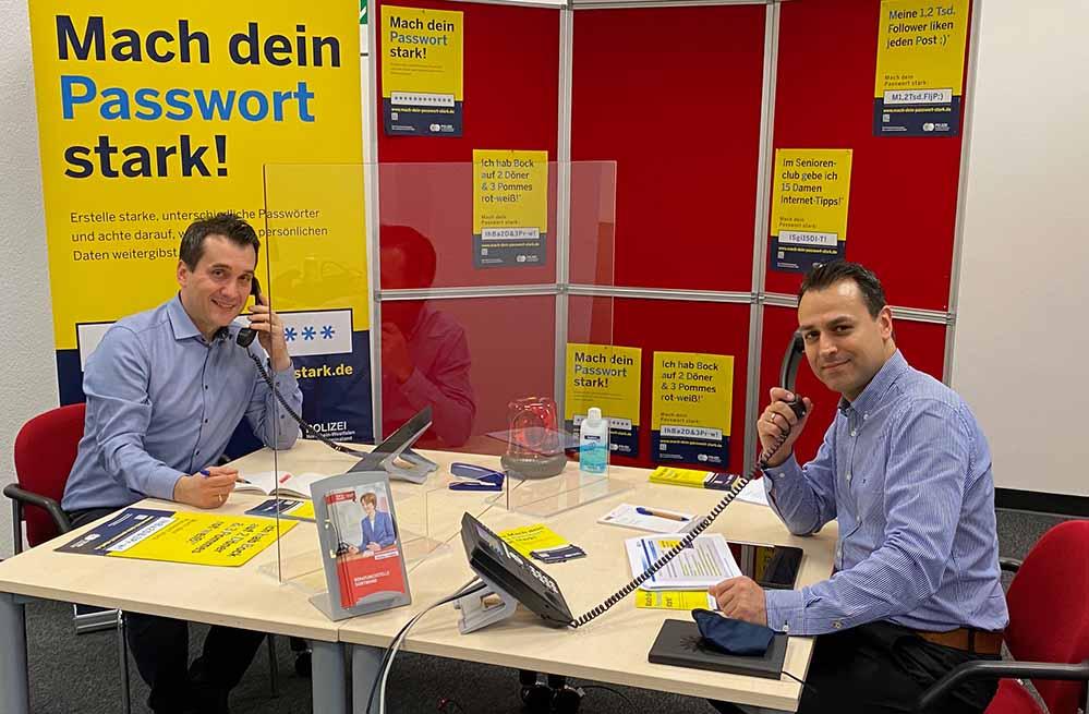 Die Verbraucherzentrale in Dortmund arbeitet mit der Polizei Dortmund (Kriminalprävention Cybercrime) zusammen, um Datendiebe auf Abstand zu halten.