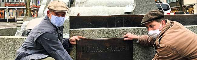 Verschönern statt verstecken: Europa-Brunnen in der Innenstadt von Dortmund erhält eine neue Bronzetafel