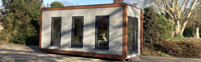 """""""Kunstvolle"""" Einblicke im Botanischen Garten Rombergpark: Temporärer neuer Ausstellungsort am See – die """"Tiny Hall"""""""