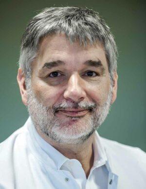 Dr. Jens-Peter Stahl, Direktor der Klinik für Unfall-, Hand- und Wiederherstellungschirurgie im Klinikum Dortmund. Foto: Matthias Graben/ Klinikum