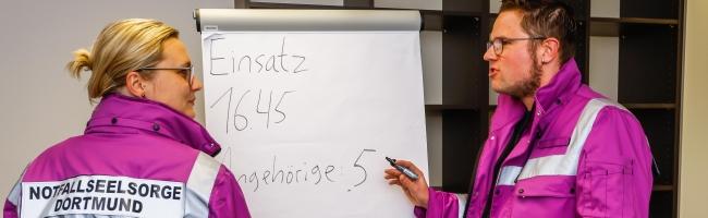Einfach da sein, wo urplötzlich ein Abgrund ist: Ehrenamtliche Notfallseelsorge in Dortmund sucht Verstärkung
