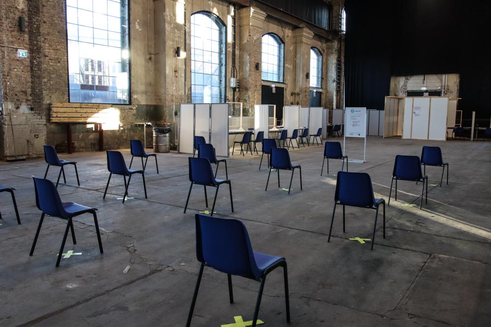 Das Impfzentrum Dortmund in der Warsteiner Music Hall auf Phoenix-West ist betriebsbereit. Foto: Karsten Wickern
