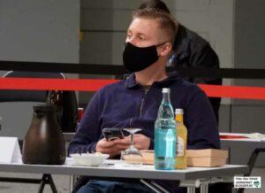 Neonazi Matthias Deyda meldet sich bisher im Rat kaum zu Wort und stimmt häufig gemeinsam mit der AfD ab.