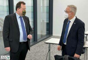 Ordnungsamtsleiter Norbert Dahmen und Polizeichef Gregor Lange stellten die Pläne vor.