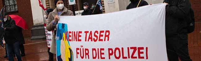 """Nordstädter*innen dürfen nicht """"Versuchskaninchen für die Taser-Träume"""" des NRW-Innenministers sein – Kundgebung"""