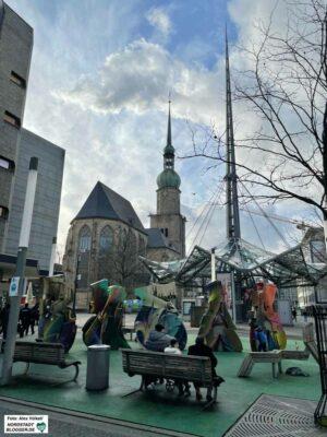 Der Brüderweg ist bereits gemacht, ebenso wieder der westliche Teil der Kampstraße. Jetzt fehlt noch das Mittelstück zwischen Reinoldi- und Petrikirche.