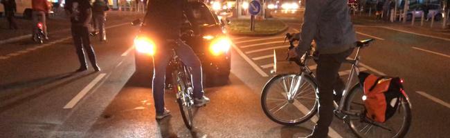 """Erster """"Querdenken""""-Autokorso in Dortmund: Zahlreiche Antifa-Blockaden und """"Querdenker"""" mit Machete im Wagen"""
