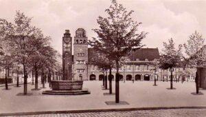 Der Saalbau Mengede wurde 1915 errichtet und besteht aus einem Gebäudekomplex mit Haupthaus und Turm, sowie einem Anbau am Süd-West-Giebel. Bild: Sammlung Klaus Winter