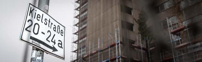 "Aufwendiger Rückbau des ""Horrorhauses"" Kielstraße 26 beginnt – Abriss soll schon im August abgeschlossen sein"