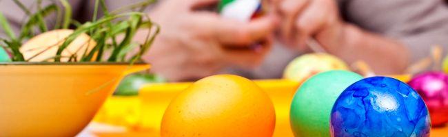 Beim Kauf und Färben von Ostereiern: auf Haltung und Herkunft achten – AOK und Verbraucherzentrale geben Tipps