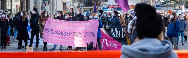 """""""Frauen, die kämpfen, sind Frauen, die leben!"""" – Internationaler Frauentag in Dortmund zu Corona-Zeiten"""